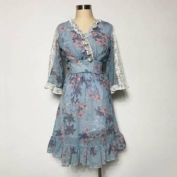 Angel Sleeved Grey Floral Dress