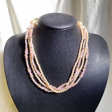4 Layers Pearl Necklace in Pink Tones